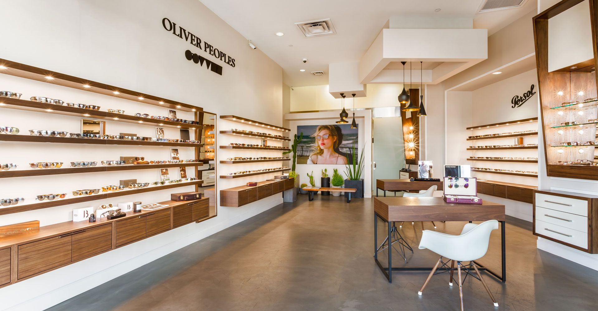 Oliver Peoples Shops on el Paseo